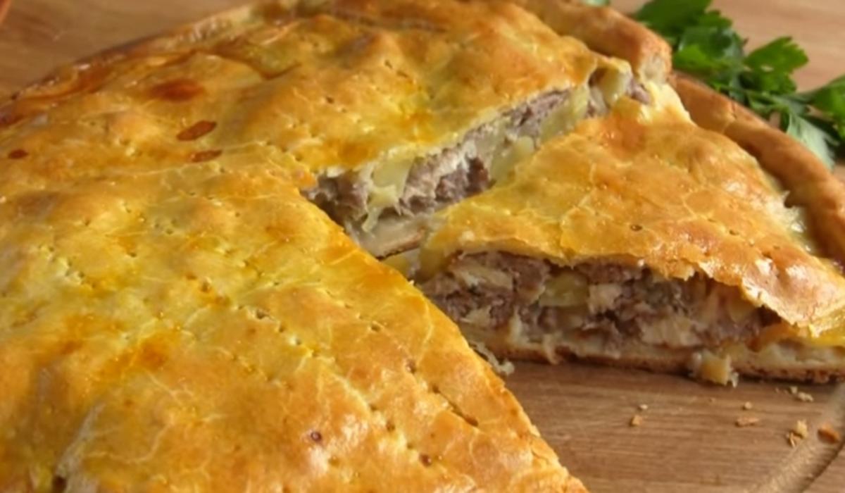Paprastas mėsos pyragas su bulvėmis