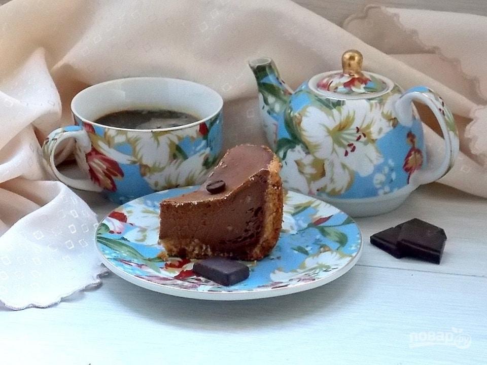 Šokoladinis varškės pyragas su tirpia kava