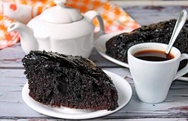 Šokoladinis raudonojo vyno pyragas